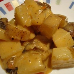 Easy Cheesy Skillet Scalloped Potatoes With Mushrooms recipe