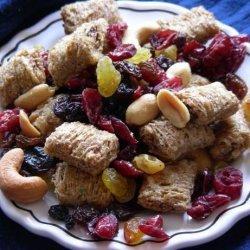 Nuts 'n Fruit Munch Mix recipe