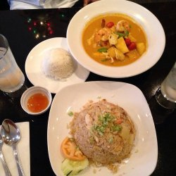 Chicken with Curried Mango Sauce recipe