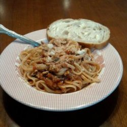 Rachael Ray's Linguine With Red Clam Sauce recipe