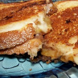 Grilled Havarti Sandwich With Spiced Apples recipe