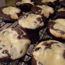 Cream Cheese and Chocolate Muffin Cakes recipe