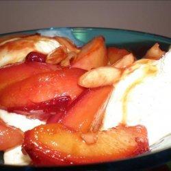 Warm Nectarines With Almonds and Vanilla Ice Cream - Sweden recipe