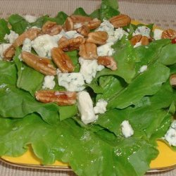 Blue Cheese and Walnut Salad With Maple Dressing recipe