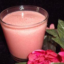 Strawberry Smoothie With Hint of Chocolate recipe