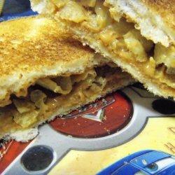 Peanut Butter and Potato Chips Sandwich recipe