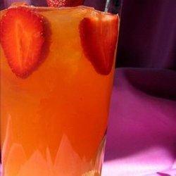 Spiced Strawberry Lemonade Tea recipe