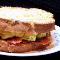 Scrambled Egg and Bacon Sandwich recipe