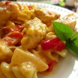 Pasta With Chicken and Pepper-Cheese Sauce recipe