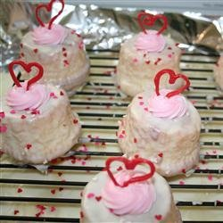 Strawberry-Chocolate Mini Cupcakes with White Chocolate Ganache recipe