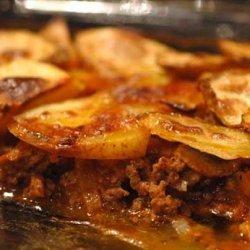 Hamburger Pie With Garlic Potatoes recipe