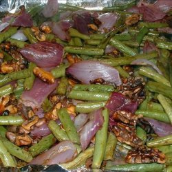 Roasted Green Beans With Red Onion and Walnuts recipe