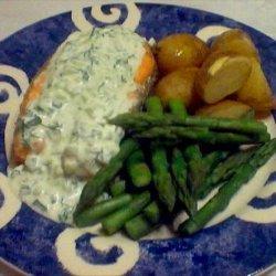 Salmon With Cucumber-Dill Sauce recipe
