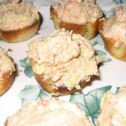 Goat's Cheese, Avocado & Smoked Salmon Cups recipe