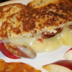 Brie and Apple Sandwich recipe