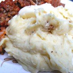 Roasted Garlic Velvet Mashed Potatoes recipe