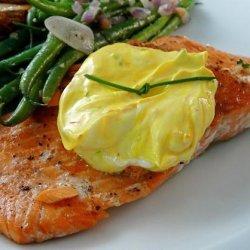 Salmon With Saffron Cream Sauce recipe