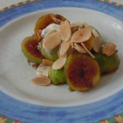 Sauteed Fresh Fig and Almond Dessert recipe