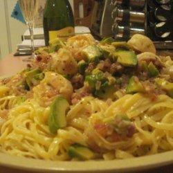 Pasta With Tomato, Avocado, and Shrimp recipe