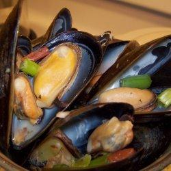 Mussels Amore! recipe