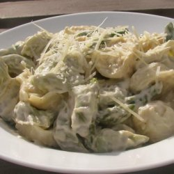 The Realtor's Creamy Cheese Tortellini With Asparagus recipe