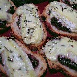 Crostini With Fig Spread & Bubbled Brie recipe