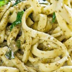 Fettuccine With Spinach Pesto recipe