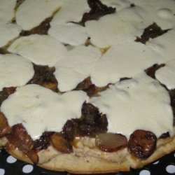 Caramelized Onion Pizza With Cream Cheese Sauce recipe