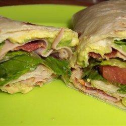 Turkey, Bacon & Guacamole Wrap recipe