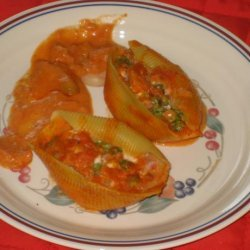 Stuffed Shells With Prosciutto and Peas recipe