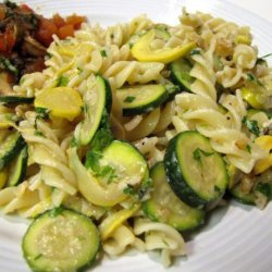 Pasta With Courgette and Walnut Sauce recipe