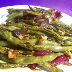 Roasted Green Beans With Onions and Walnuts recipe