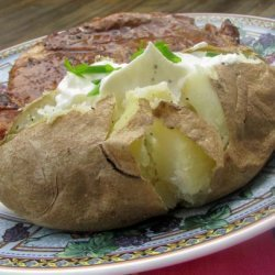 Baked Potatoes in Their Jackets With Sour Cream Topping recipe