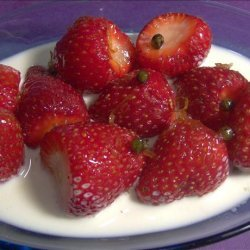 Berries With Pepper Sauce recipe