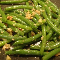 Green Beans With Ginger and Cashews recipe