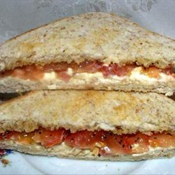 Toast With Tomatoes and Cream Cheese recipe