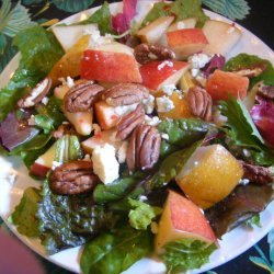 Mixed Greens Salad, Pears, Apple and Toasted Pecans recipe