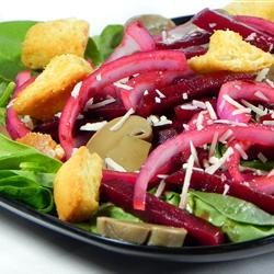 Nicole's Balsamic Beet and Fresh Spinach Salad recipe