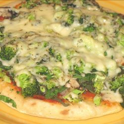 Pita Pizza, Spinach, Broccoli, Onion, and Mushroom recipe