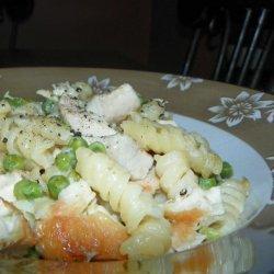 Easy Creamy Chicken & Noodle Bake recipe