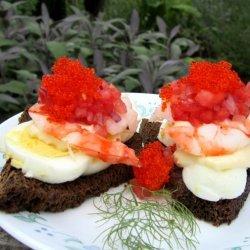 Smushi 3: Greenlandic Prawns With Mayonnaise and Hard Boiled Egg recipe