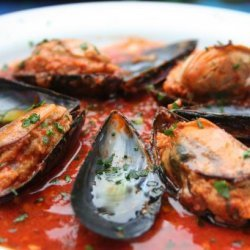 Stuffed Mussels in Spicy Tomato Sauce recipe