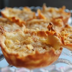 Tiny Apple Pies With Crumble Topping recipe