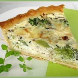 Herbed Chicken and Broccoli Quiche recipe