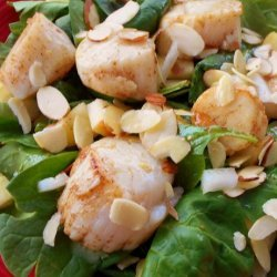 Spinach Salad With Scallops and Apples recipe