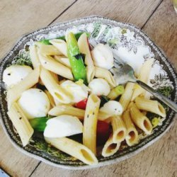 Spring Pasta Salad With Asparagus, Tomato and Mozzarella recipe