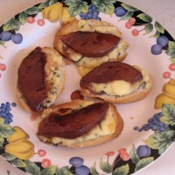 Viva Madrid Red Wine Pear and Blue Cheese Toasts recipe