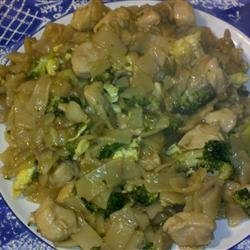Pad See Ew (Thai Noodles with Beef and Broccoli) recipe