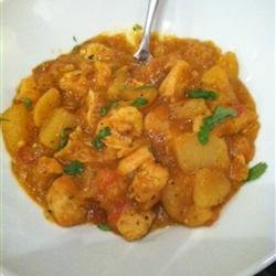 Bengali Chicken Curry with Potatoes recipe