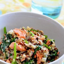 Quinoa Pilaf With Salmon, Spinach and Mushrooms recipe